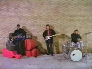 """The Beatles Polska: Piosenka Harrisona """"When We Was A Fab"""" otrzymała nagrodę za najlepszy teledysk roku."""